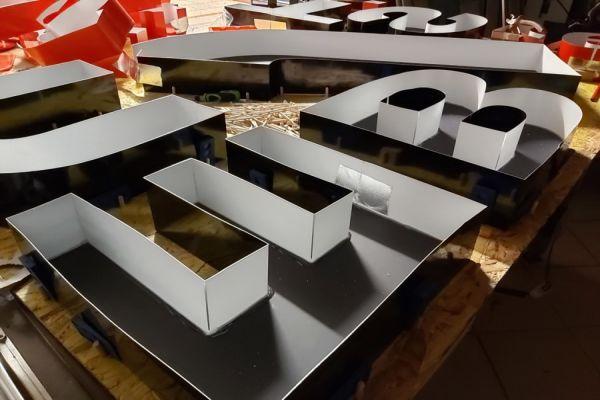 litery przestrzenne 3D blokowe